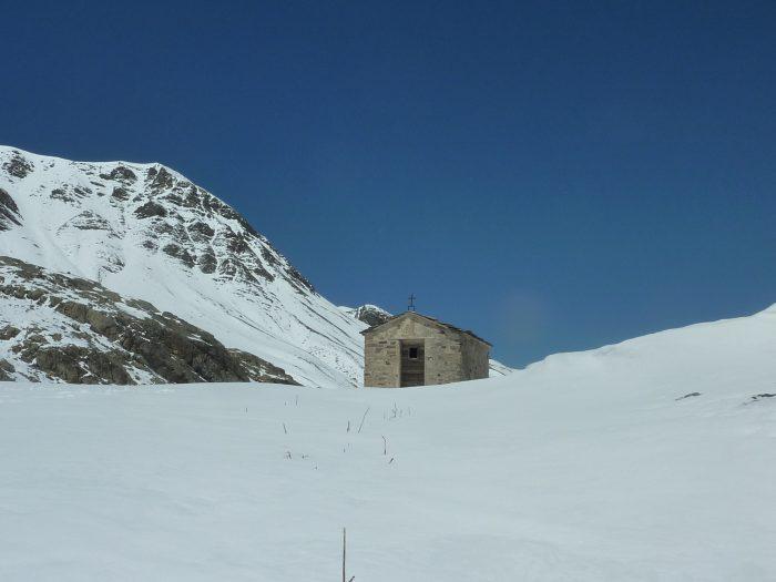 Petite chapelle, comme on en trouver souvent en montagne. Fermée, nous n'avons pas pu voir l'intérieur