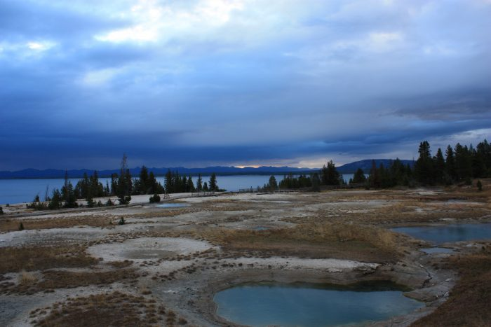 Seuls à West Thumb Geyser Basin